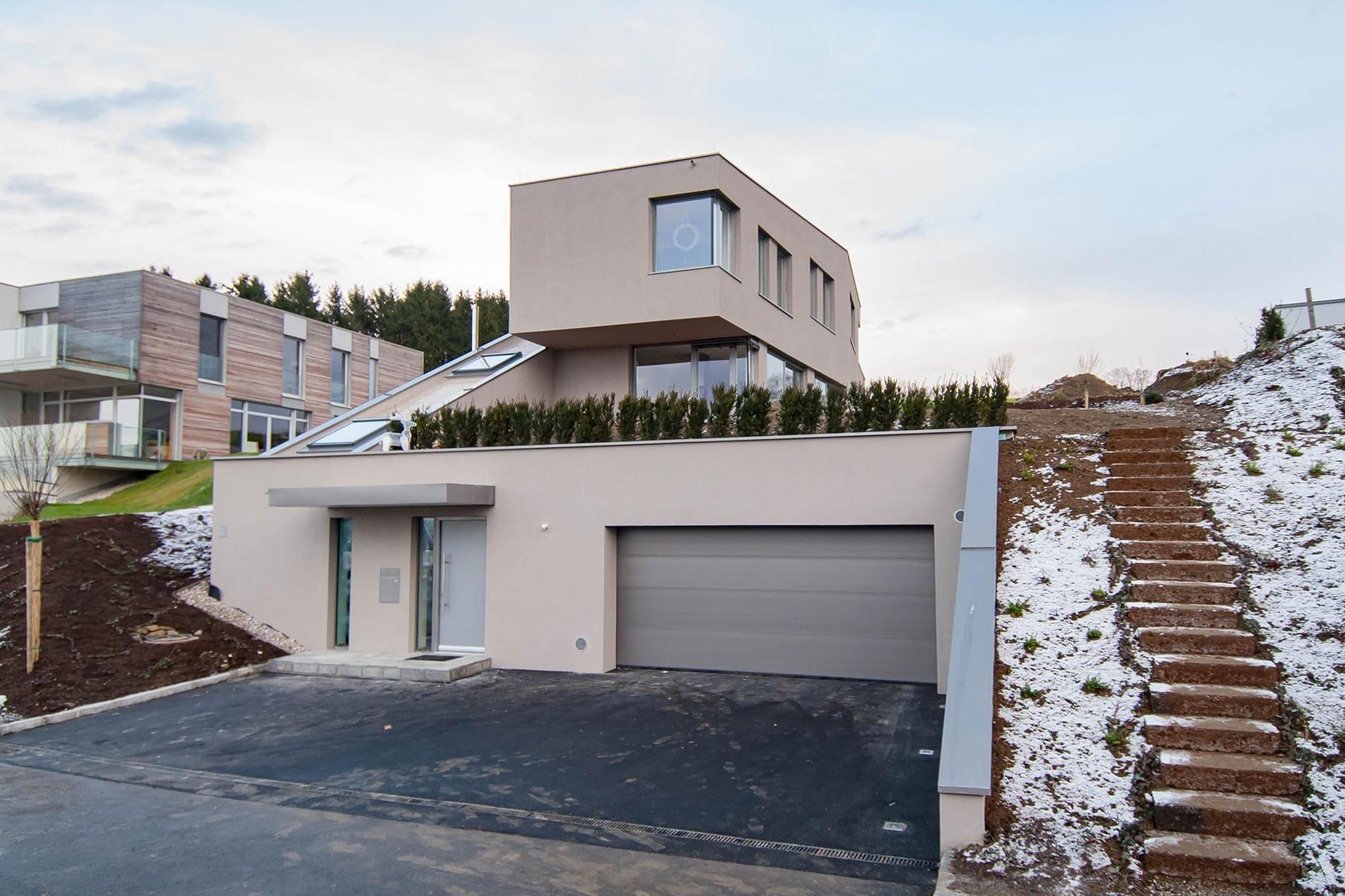Zufahrt, Haus am Berg, architekt, hanghaus, haus am hang, architektur, architektenhaus, gramastetten