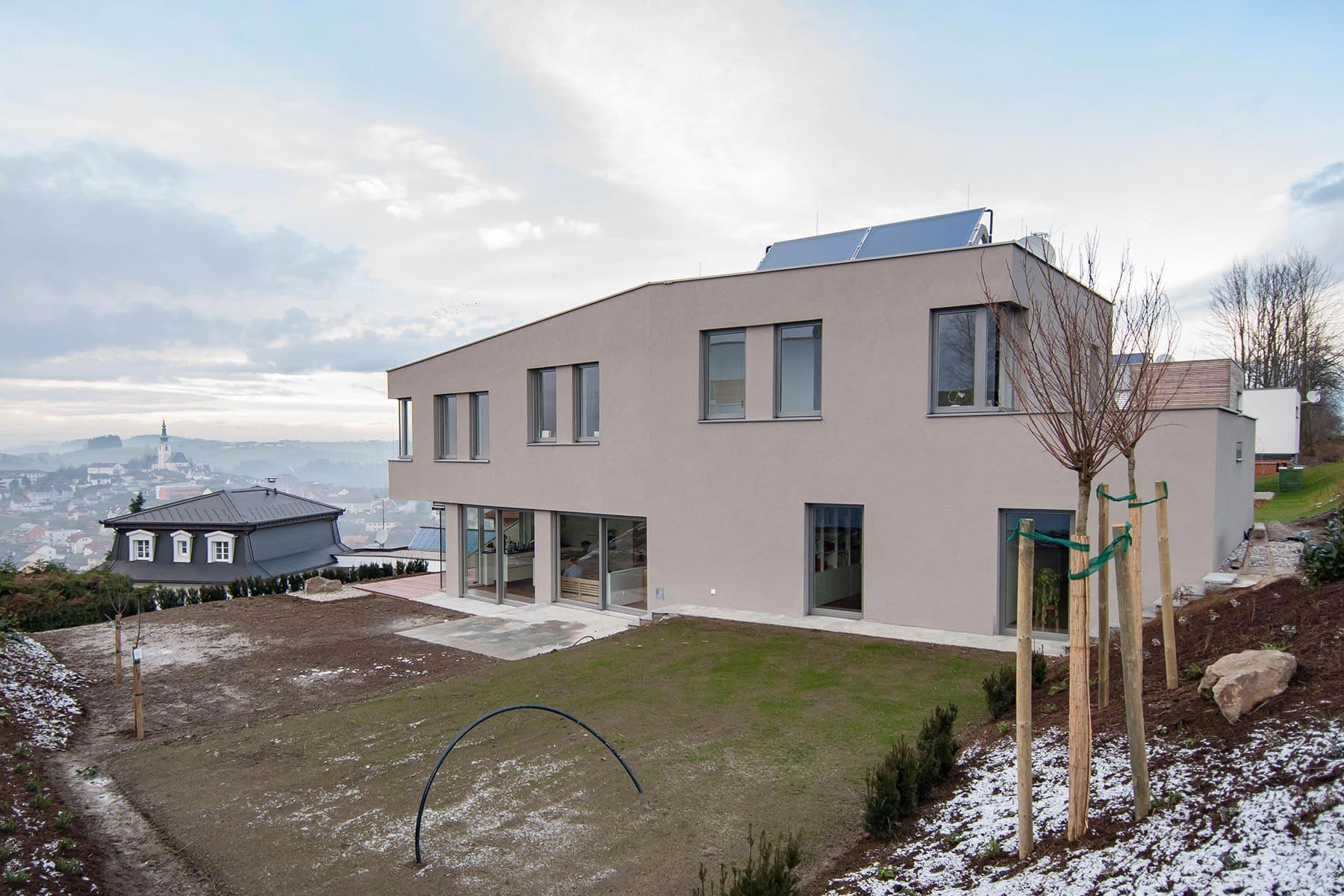 Gartenfassade, Haus am Berg, architekt, hanghaus, haus am hang, architektur, architektenhaus, gramastetten
