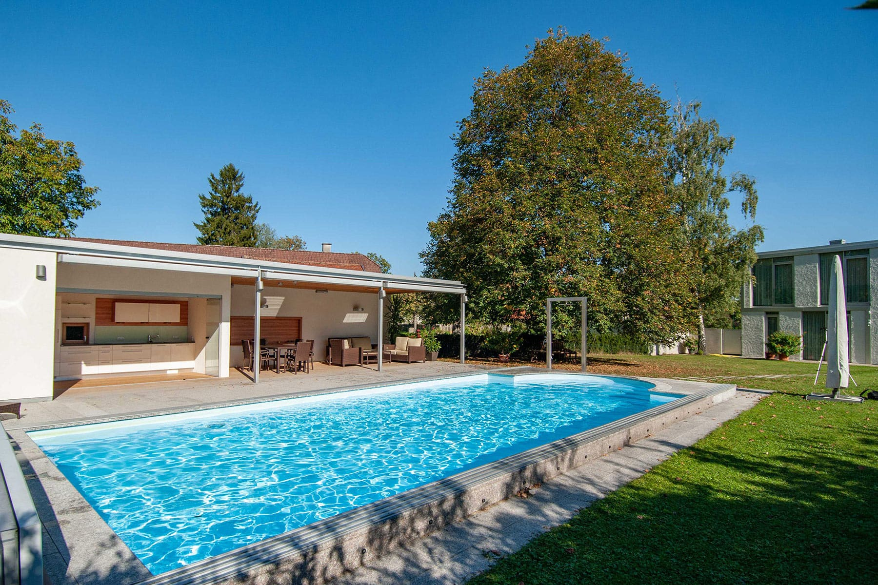 ARCHITEKT, Poolhaus, Architektenhaus, Gartenlaube, Chillen am Pool, Sommerlaune