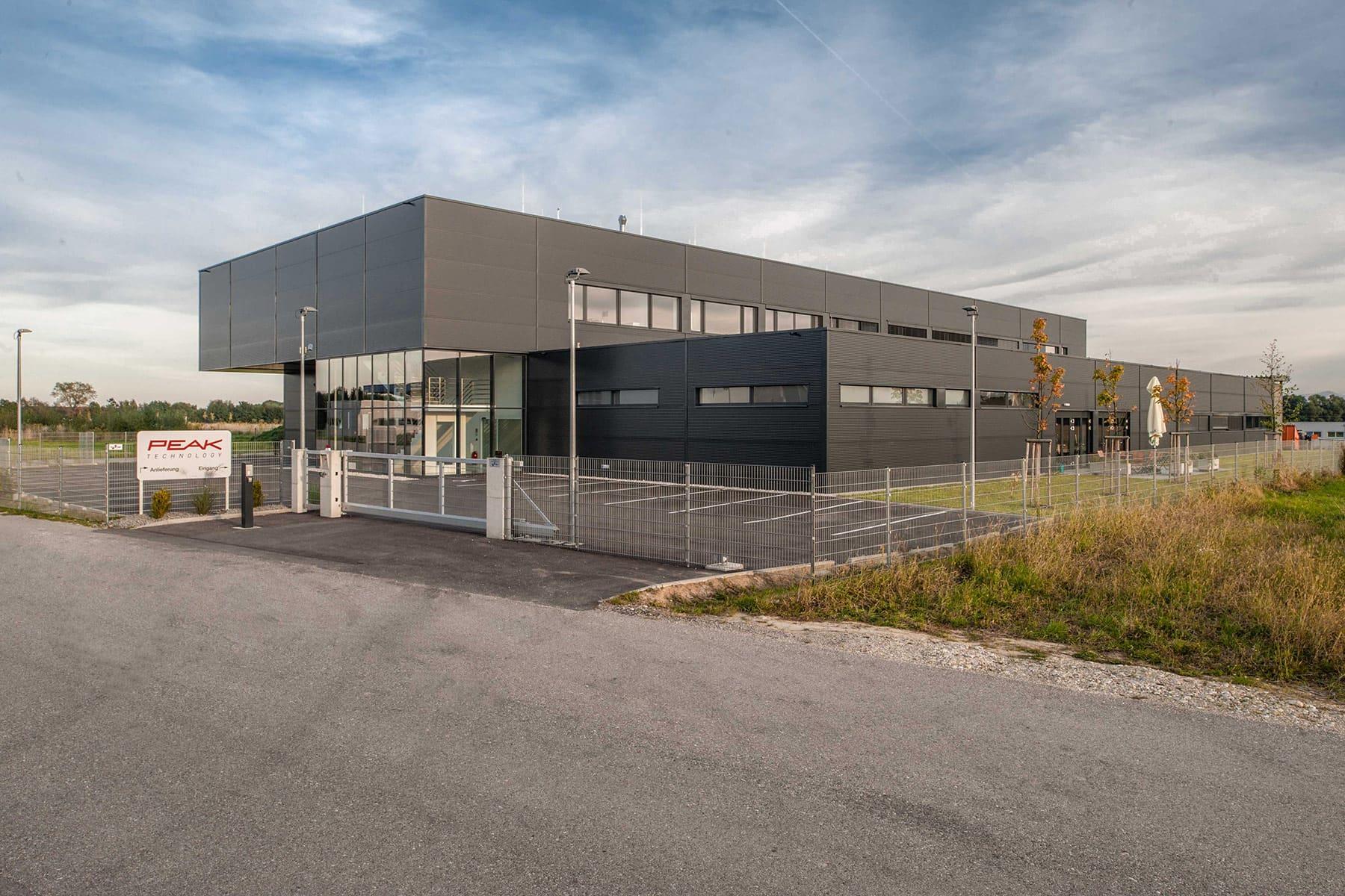 Fassade, Neubau, Firma, Architektur, Produktionsbetrieb, Peaktechnology, Holzhausen, Carbon, Kohlefaser